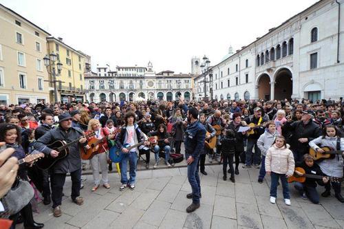 1000-chitarre-in-piazza-3